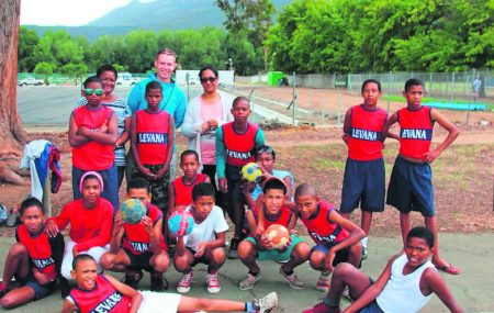 Link to the article on news24 Learners from Lavender Hill will now be able to play handball thanks to a German volunteer who has dedicated his time to teaching the learners the sport.
