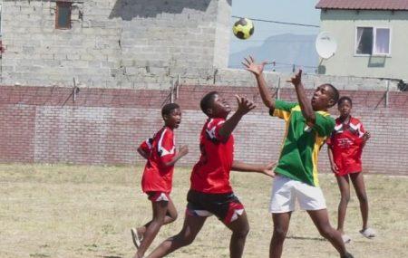 """Play Handball Supercup Serie im dritten Jahr – Mit Handball aktiv für das nachhaltige Entwicklungsziel 13 """"Klimawandel"""" der Vereinten Nationen Deutschland ist im Januar Mitausrichter der Handball-WM. Zwei Jahre später, 2021, ist die Weltmeisterschaft auf dem afrikanischen Kontinent zu Gast. Nach 1999 in Ägypten und 2005 in Tunesien ist Ägypten zum zweiten Mal Gastgeber der […]"""